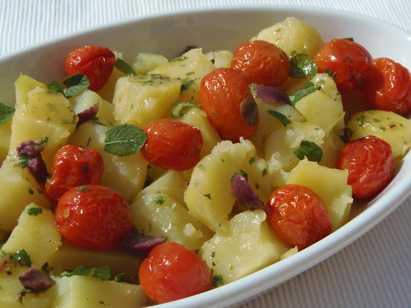 Insalata di patate con pomodorini confit