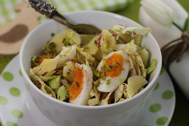 Insalata di radicchio variegato con pistacchi