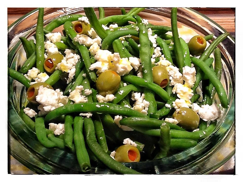 Insalata di fagiolini e olive farcite