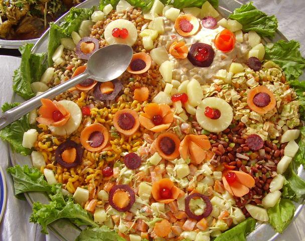 Grande insalata con frutta