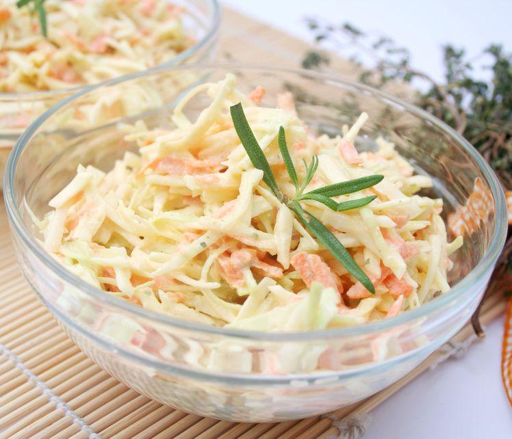 coleslaw, insalata di cavolo e carota
