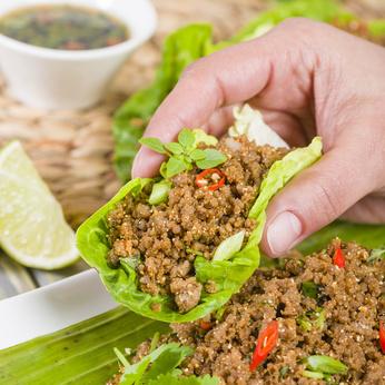 Insalata di carne tritata thailandeseilande