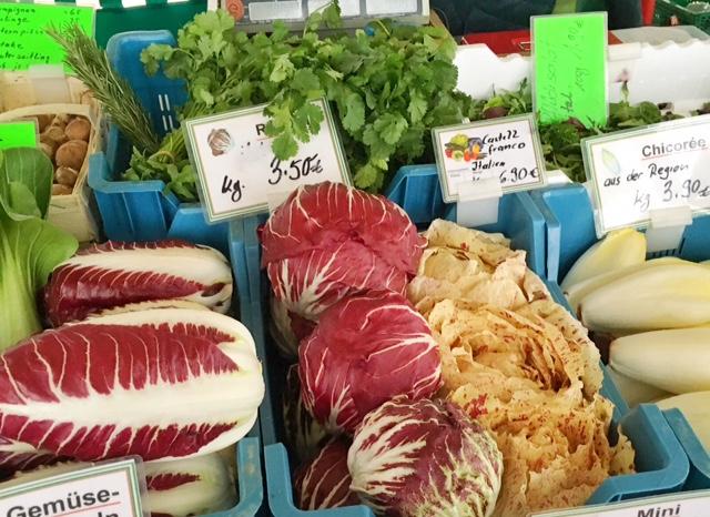 Radicchio di castelfranco al mercato