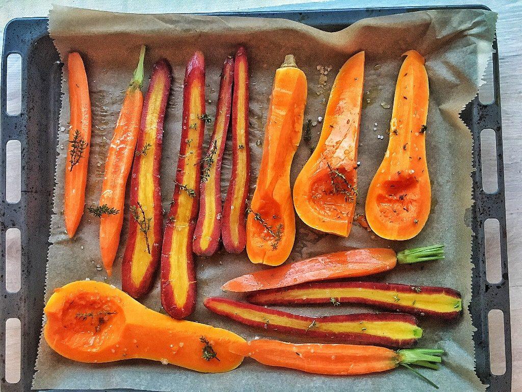 verdure per cena di Halloween pronte per essere infornate